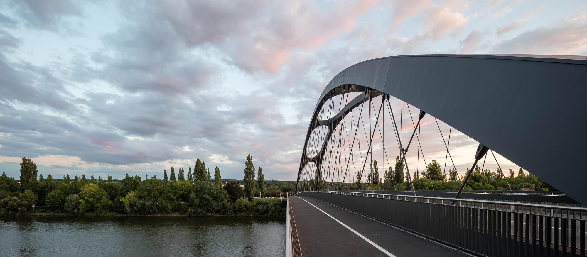 Mainbrücke Ost - Rampenbauwerk Mansellbrücke Frankfurt, 2010-2013, Ferdinand Heide Architekt BDA Frankfurt am Main
